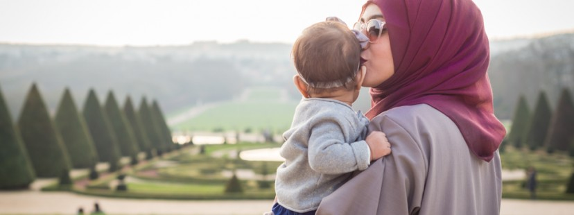 sosab baby love mum with hijab
